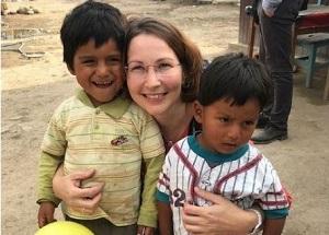 Die Leiterin der Caritasregion Eichsfeld / Nordthüringen Stefanie Schmerbauch in Peru. © cpd / Stefanie Schmerbauch